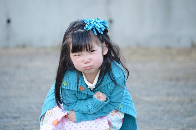 子どもがかんしゃくを起こす理由と、気持の切り替え・タイムアウト法などの対応方法について解説します。